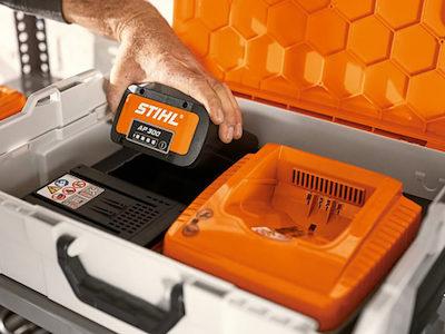 Уход и хранение аккумуляторов STIHL